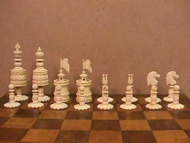 Victorian Bone Barleycorn Chess Set