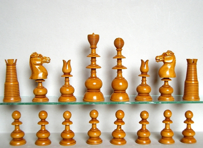 Antiqueenglishchessset jpg 648 473 pixels collecting chess sets pinterest - Collectible chess sets ...